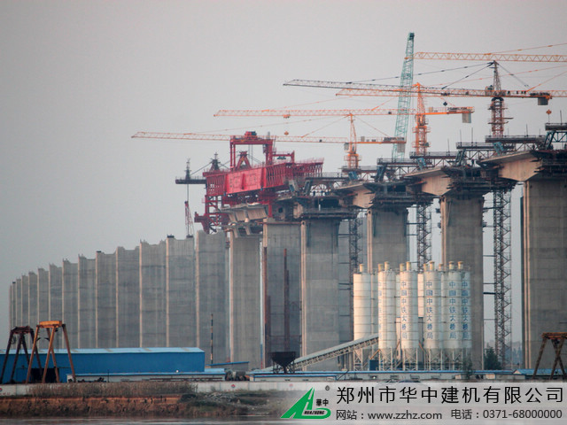 华中建机HZP节段拼装架桥机