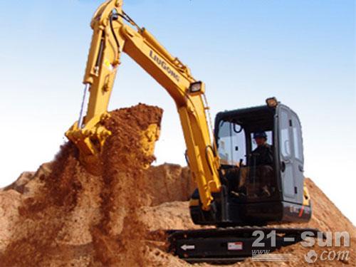 柳工904C挖掘机外观图1