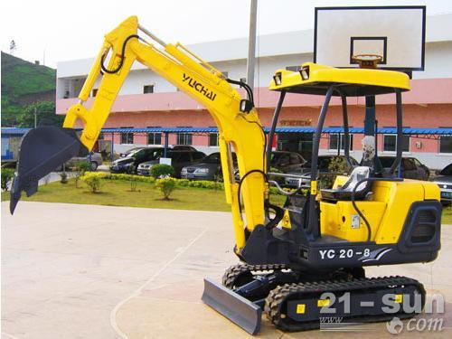 玉柴YC230LC-8挖掘机外观图2