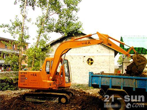 南特NT80挖掘机外观图2