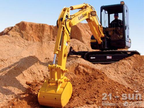 柳工904C挖掘机外观图2