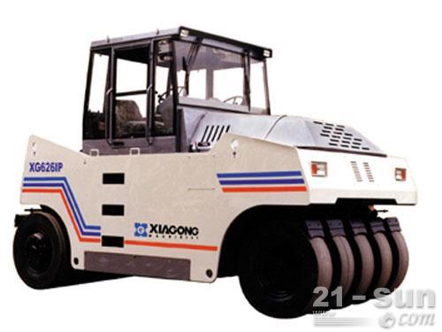 厦工XG6261P轮胎压路机外观图1