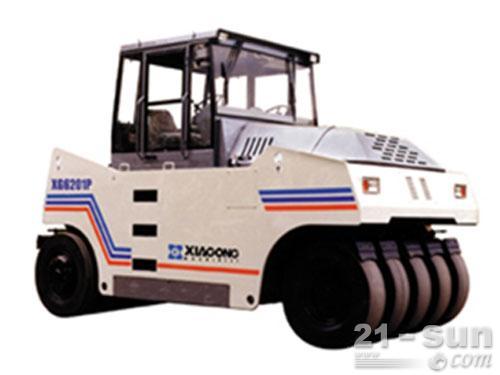 厦工XG6201P轮胎压路机外观图1