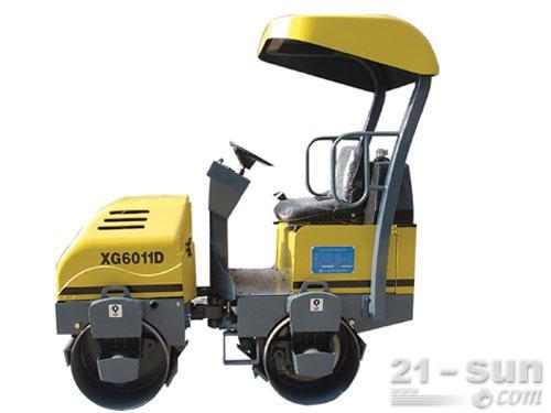 厦工XG6011D双钢轮压路机外观图1