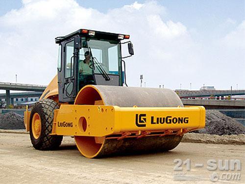 柳工CLG620单钢轮压路机外观图1