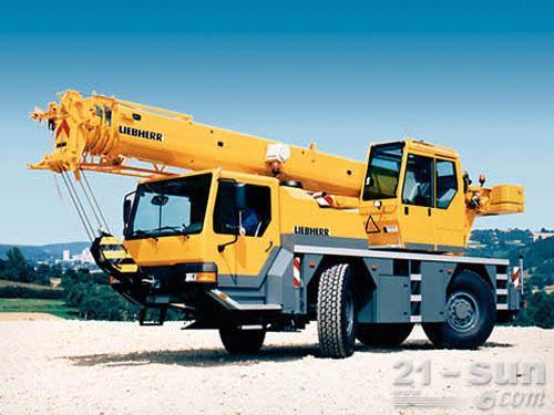 利勃海尔LTM 1030-2.1汽车起重机外观图2