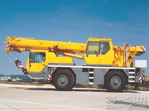 利勃海尔LTM 1030-2.1汽车起重机外观图3