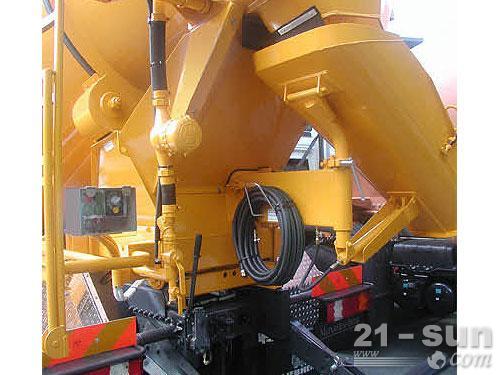 利勃海尔HTM 504混凝土搅拌运输车外观图1