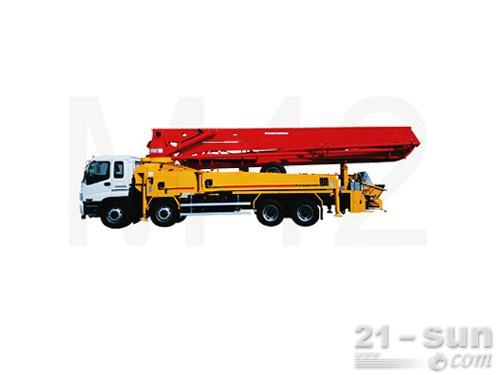 普茨迈斯特M 42-4混凝土泵车外观图1