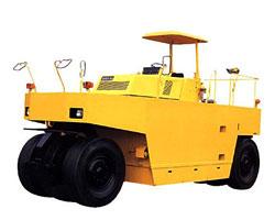 酒井TS650C轮胎压路机