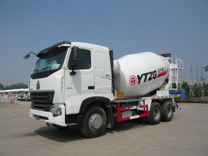 亚特豪沃A7型10方混凝土搅拌运输车