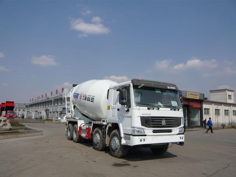 亚特豪沃8*4型16方混凝土搅拌运输车