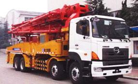 赛通重工HB48混凝土泵车图片