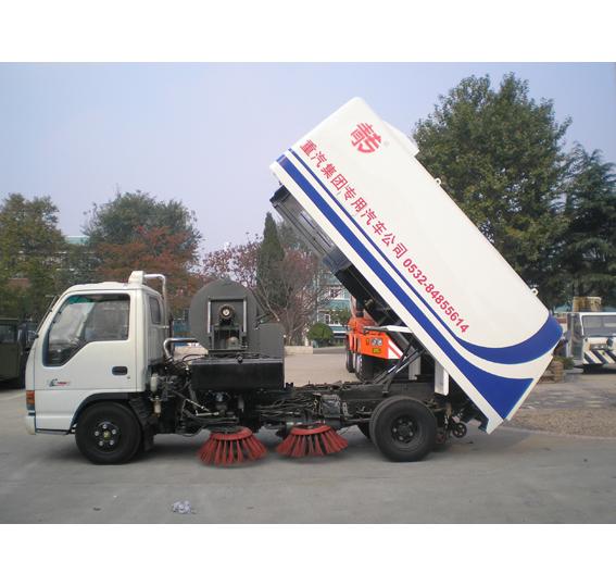 中国重汽扫路车扫路车